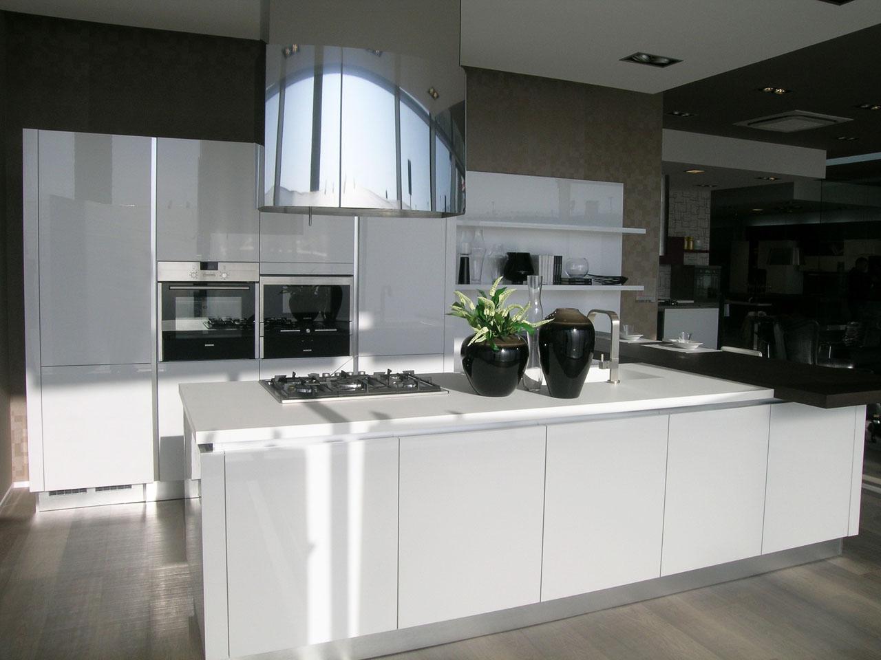 Inaugurato il nuovo Centro Cucine LUBE in Val Vibrata - Cucine Lube