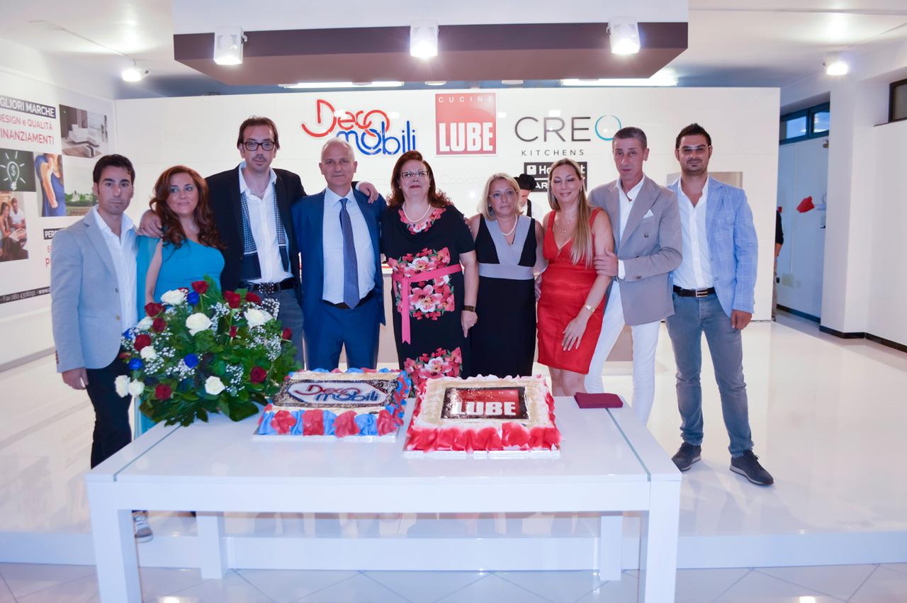 Grande successo all'inaugurazione dello Store Lube più grande del ...