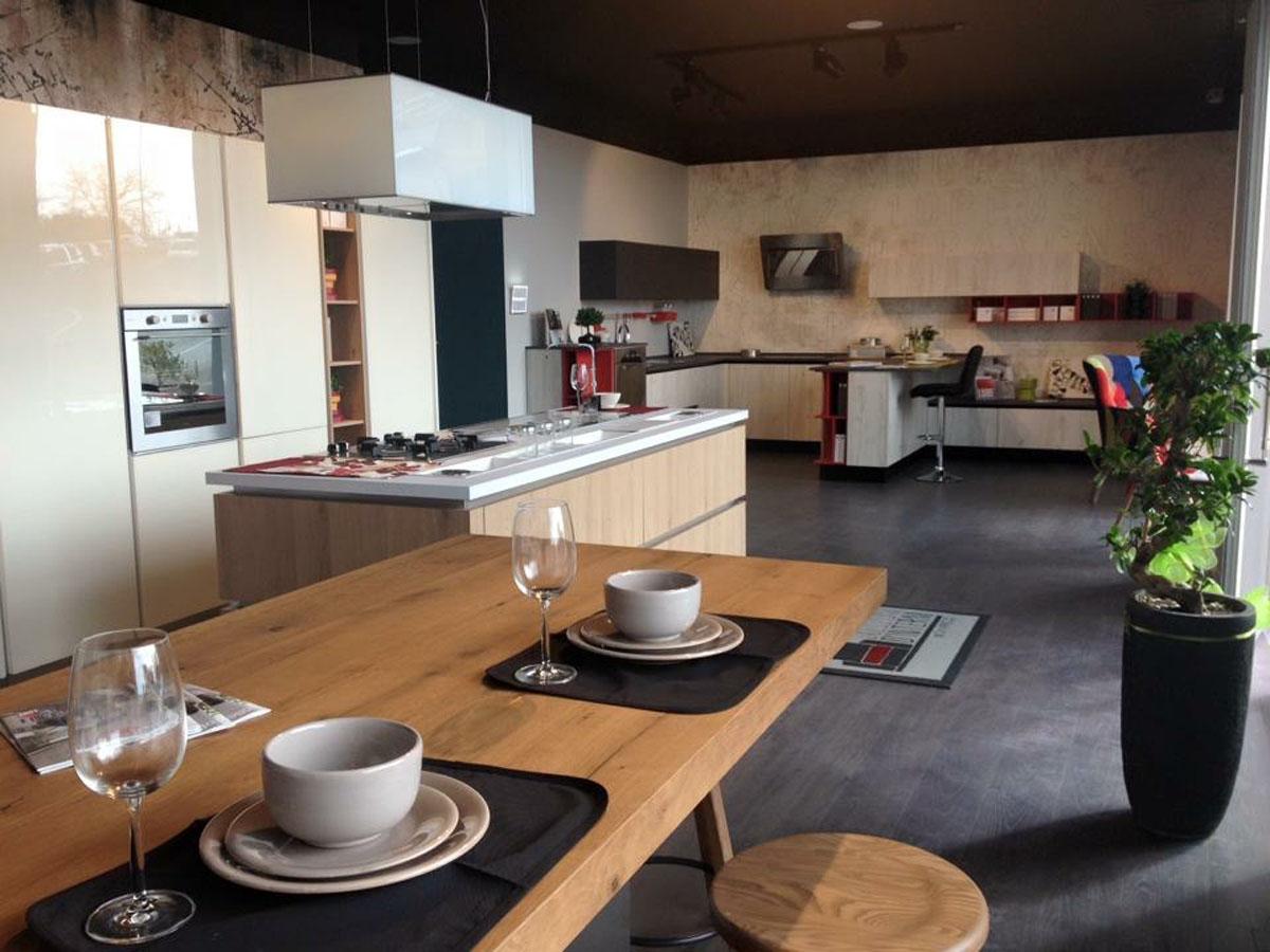 sabato 27 febbraio inaugura nuovo centro cucine lube a napoli