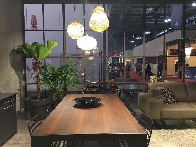 I consigli per scegliere tavoli e sedie - Cucine Lube