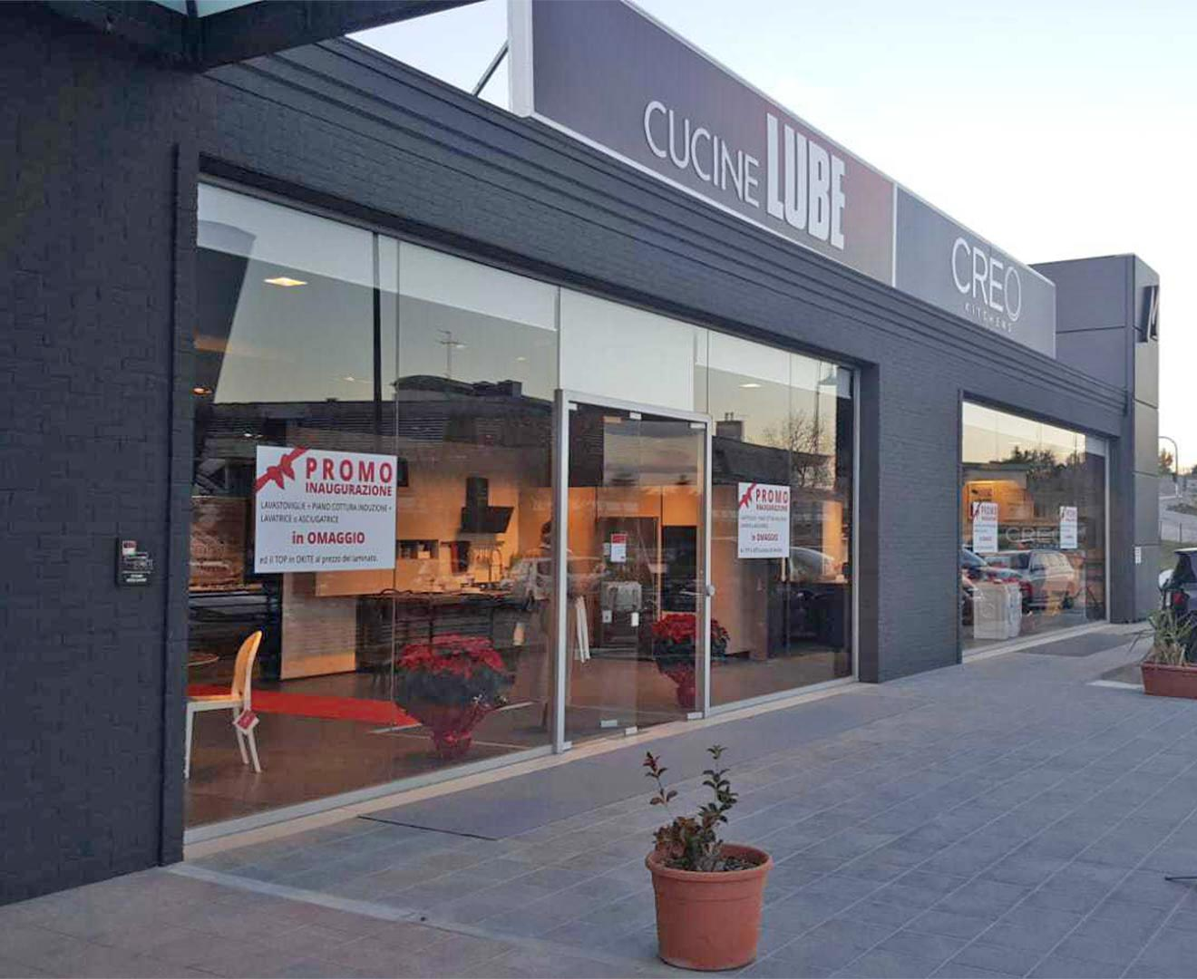 Cucine Mosciano Sant Angelo gruppo lube presents the renewed lube and creo store in