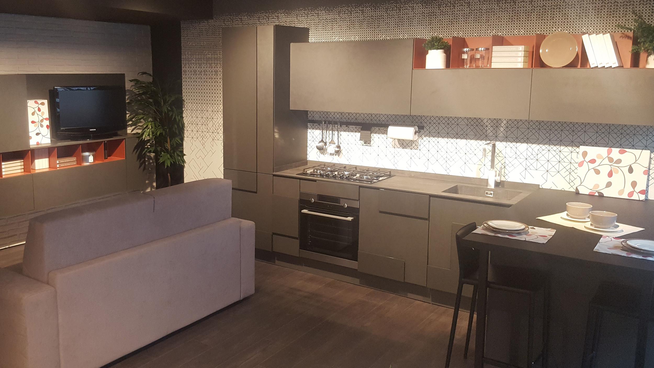 Il Gruppo LUBE inaugura un nuovo centro cucine LUBE e CREO a ...