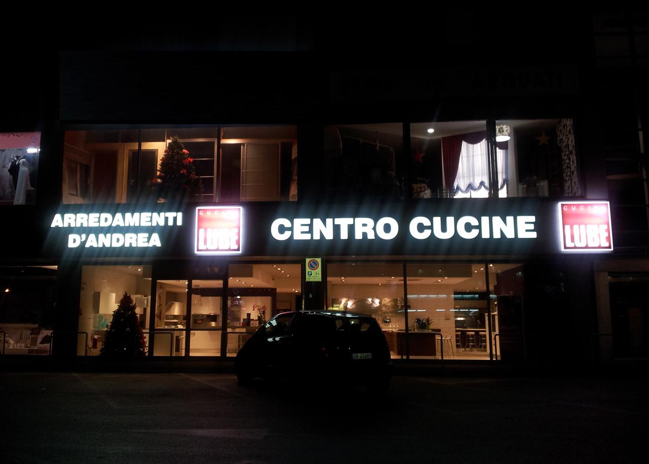 inaugurato il nuovo concept store lube a cappelle dei