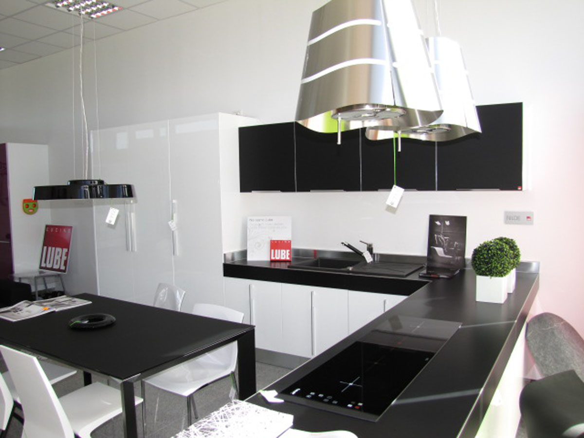 Opening of the new flagship store in Plock, Poland. - Cucine Lube
