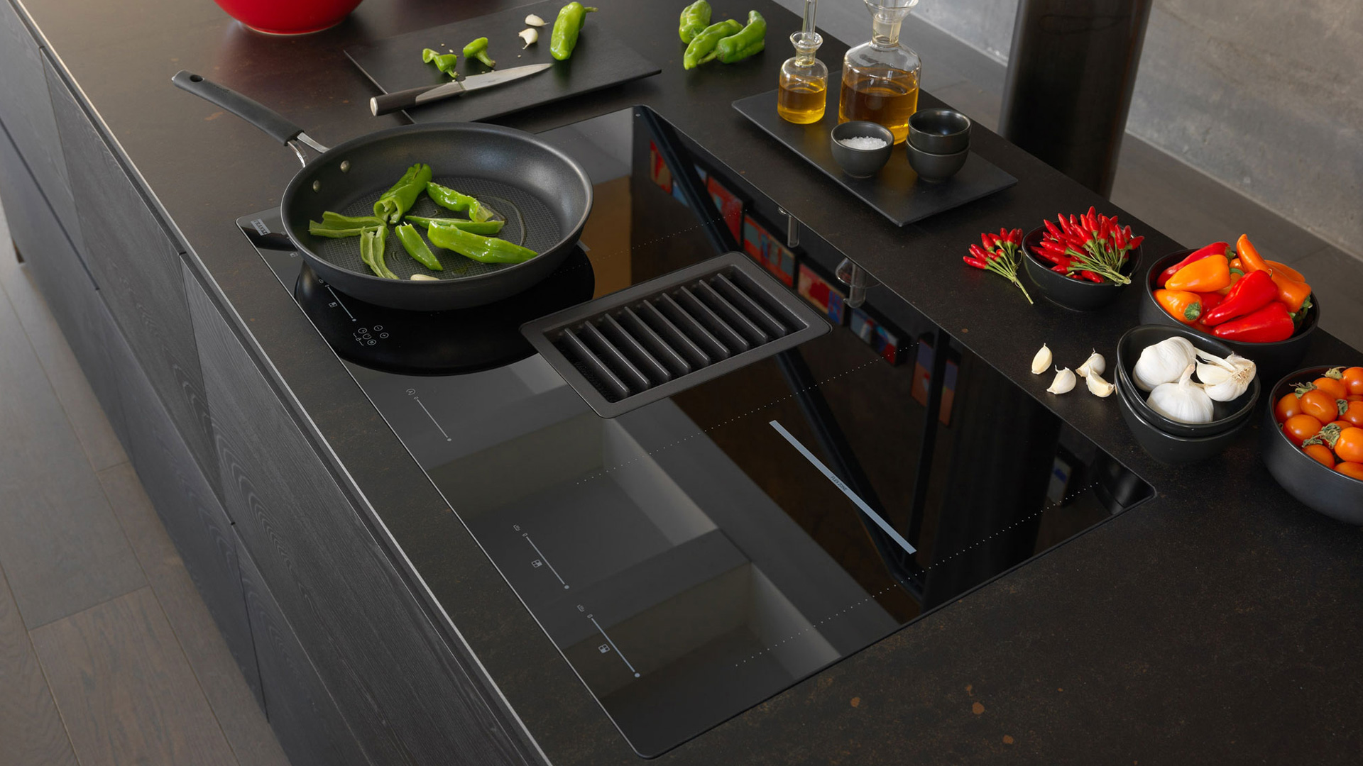 Induction hob and 2-in-1 hood with Franke's Mythos 2gether - Cucine LUBE