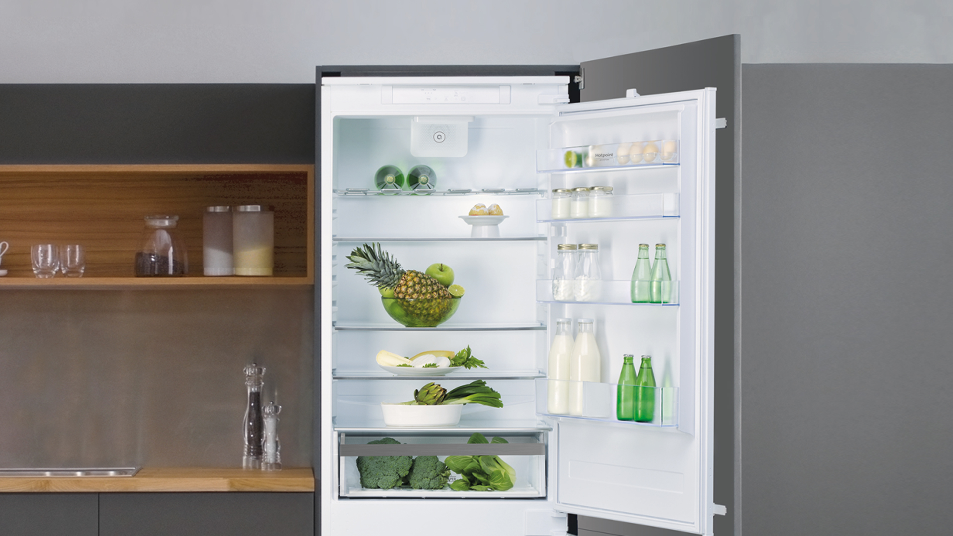 Extra space or freshness? You can have both with the Space 400 Hotpoint refrigerator - Cucine LUBE