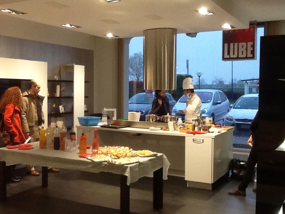 Nuovo centro Cucine Lube presso mobilifici Rampazzo Severino ...