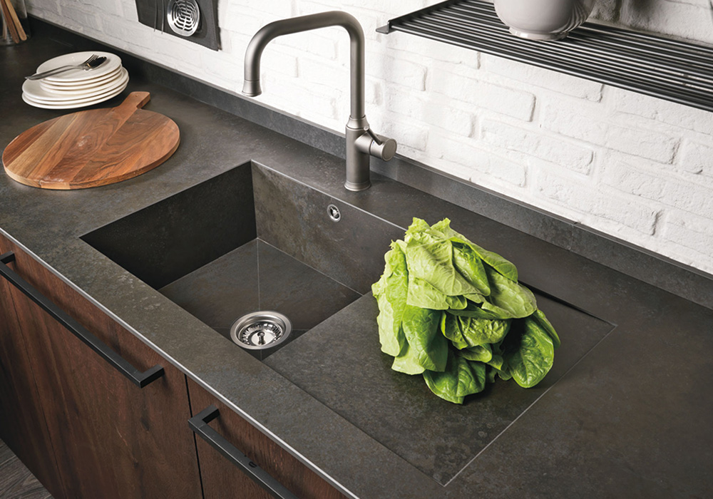 Sink integrated with the Ceramic worktop - Cucine LUBE