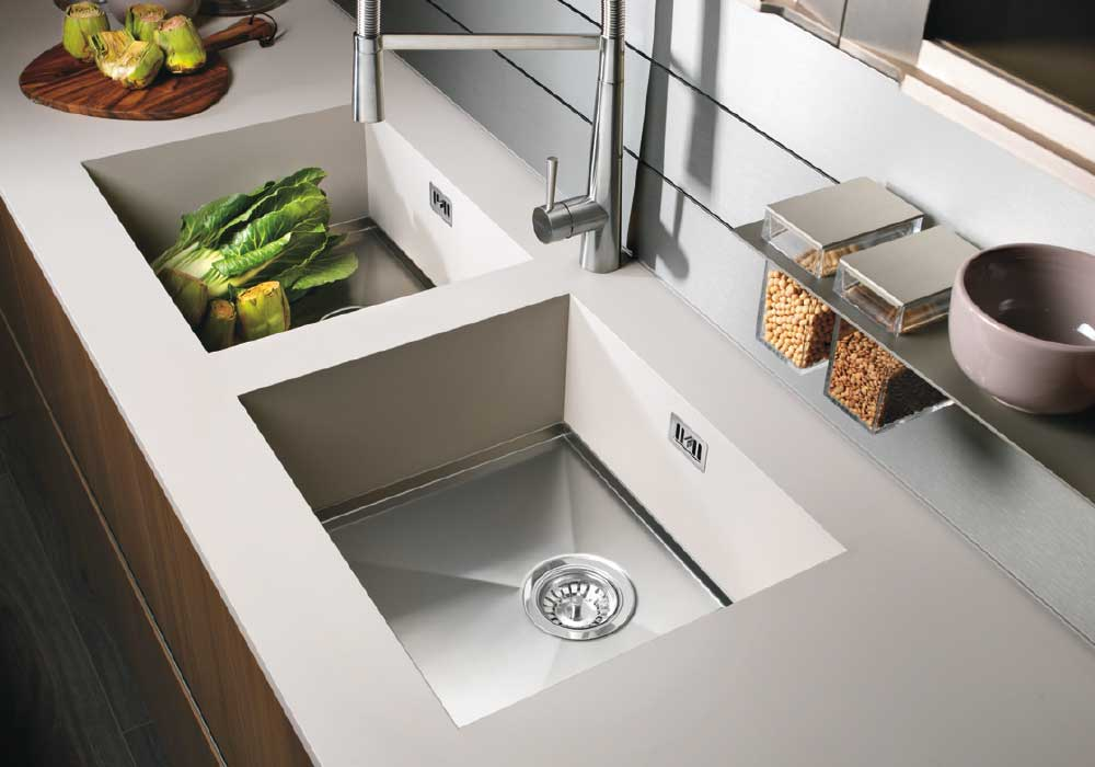 Sink integrated with the laminate worktop - Cucine LUBE