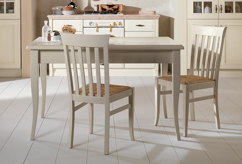 Velia gambi laccati - Tavoli e sedie - Cucine Lube