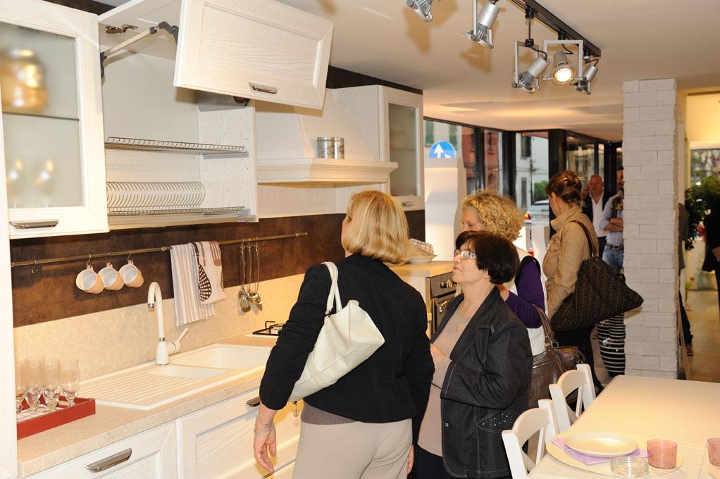 Nuovo Concept Store Lube A Empoli Cucine Lube