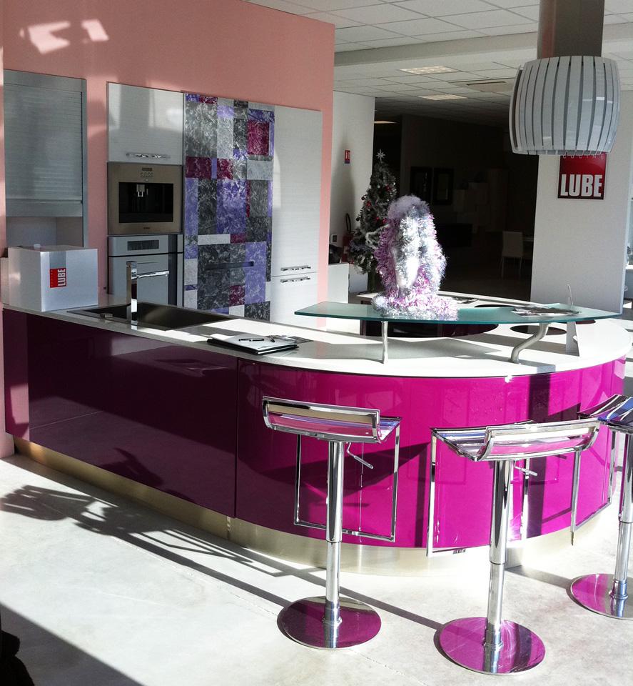 AUBAGNE: UN NUOVO STORE PER CUCINE LUBE - Cucine Lube