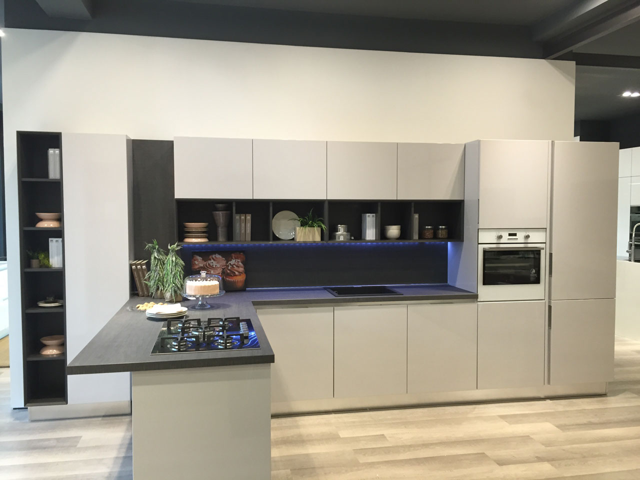 New sales outlet for the cucine lube and creo kitchens brand in