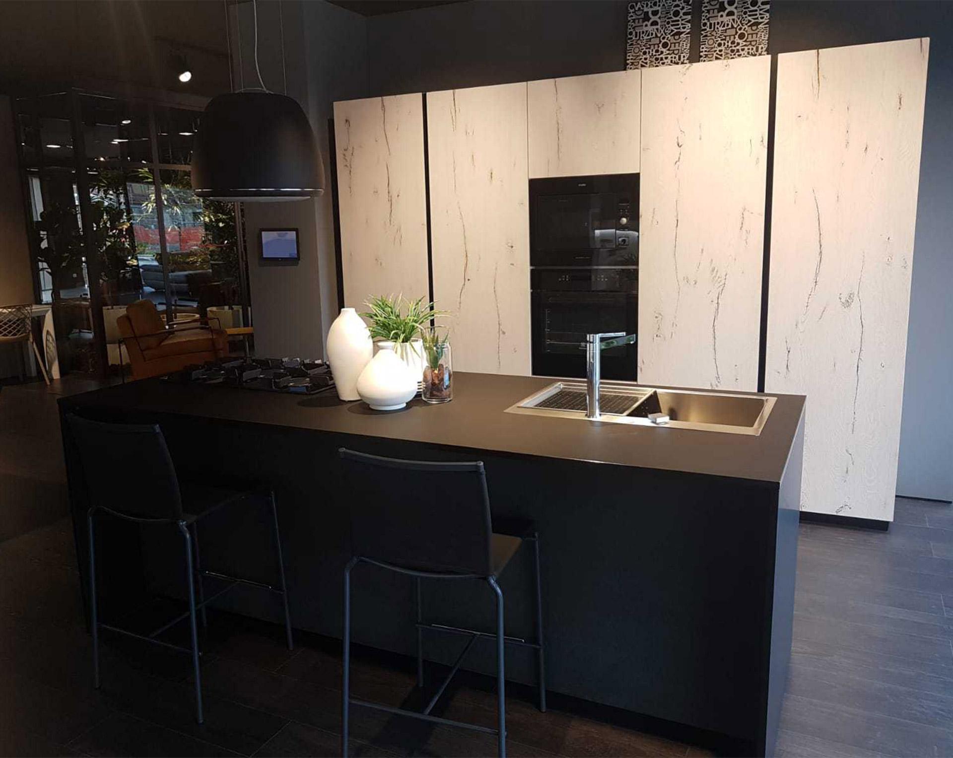 Il Gruppo LUBE inaugura un nuovo Store LUBE e CREO a Napoli - Via ...