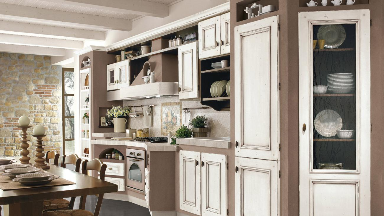 Borgo Antico Kitchens - Beatrice - White lacquered with gold shades