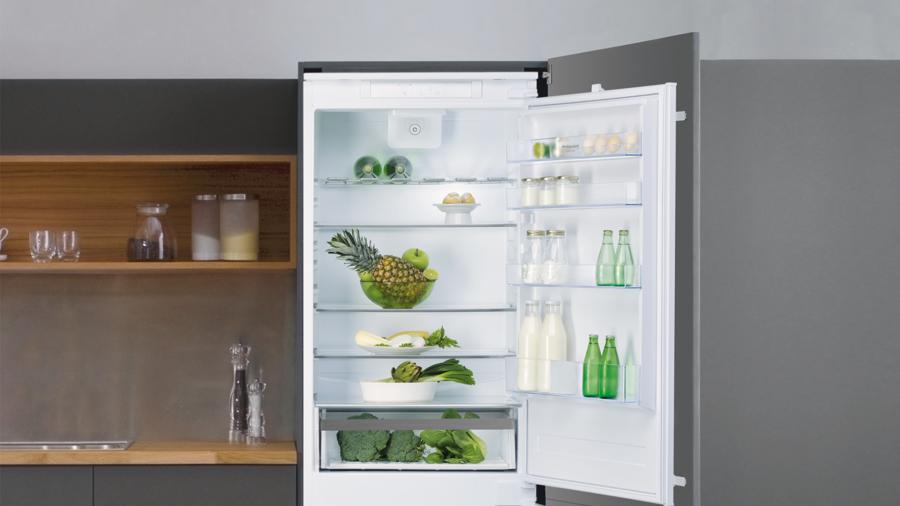 Extra space or freshness? You can have both with the Space 400 Hotpoint refrigerator